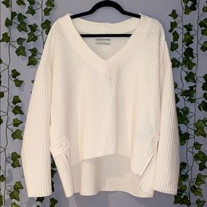 Woman's UO Ivory V-Neck Cozy Sweater Small NWT